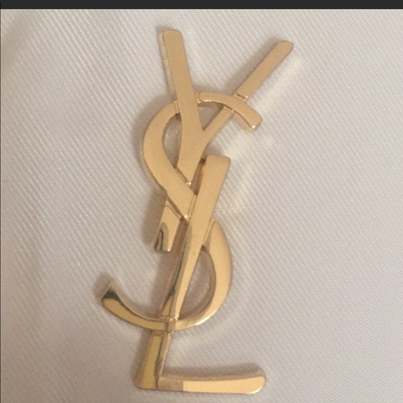 8131b9f4a98 Beautiful YSL YVES SAINT LAURENT Gold pin brooch. M_5c4f19113c984439a5db2dd5